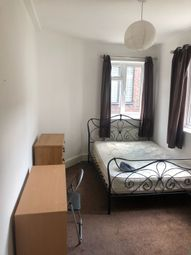 Thumbnail 5 bed maisonette to rent in Chapel Market, Angel, London