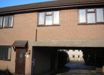 2 bed flat to rent in Queens Avenue, Buxton SK17
