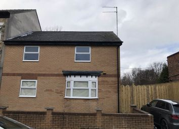 Thumbnail 2 bed flat to rent in Dover Street, Hull
