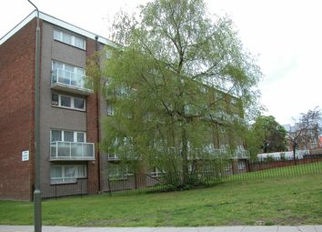Thumbnail 3 bed flat to rent in Acrefield House, Hendon, London