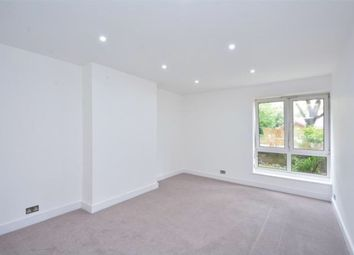 Thumbnail 5 bed flat for sale in Globe Road, Bethnal Green