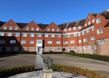 Thumbnail 2 bed flat for sale in Elizabeth Drive, Banstead