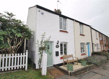 Meopham Green, Meopham, Gravesend DA13. 2 bed cottage
