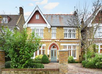 Thumbnail 6 bed detached house to rent in Woodville Road, London