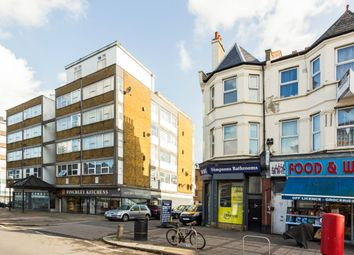 2 bed maisonette to rent in High Road, London N12