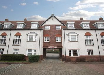 Thumbnail 2 bedroom flat to rent in Ascot Drive, Letchworth Garden City