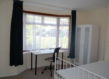 Thumbnail Room to rent in Harcourt Avenue, Edgware, Middlesex
