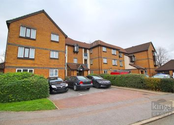 2 bed flat for sale in Swaythling Close, London N18