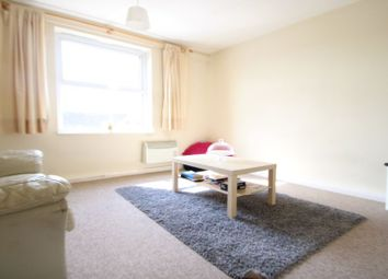 Thumbnail 2 bedroom flat to rent in Sparkford Road, Winchester