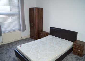 5 bed shared accommodation to rent in Uttoxeter New Road, Derby DE22