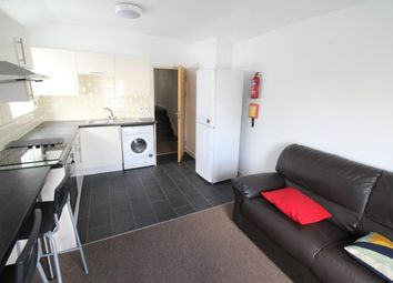 3 bed flat to rent in Woodville Road, Cathays, Cardiff CF24