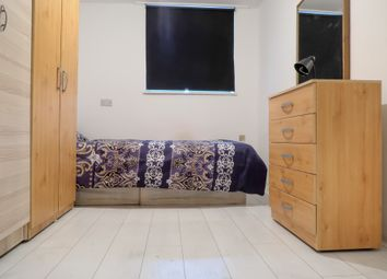 Room to rent in Brion Place, Langdon Park E14