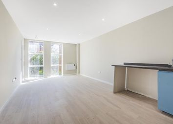 Thumbnail 1 bed flat to rent in Theale, Berkshire