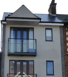 Thumbnail 2 bed flat to rent in High Street, Broadstairs