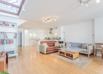 Pellatt Grove, London N22. 3 bed detached house