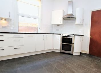 Thumbnail 2 bedroom maisonette for sale in Lyndhurst Road, London