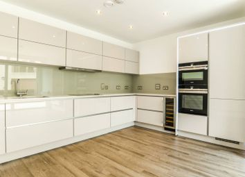 Thumbnail 2 bed property to rent in Potters Row, Stratford
