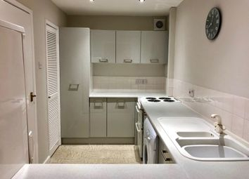 Thumbnail 2 bed flat to rent in Hawthorn Grove, Wilmslow, Cheshire