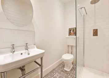 Thumbnail 2 bed flat for sale in Tooley Street, London