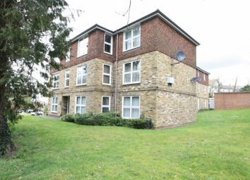 Thumbnail 2 bed flat to rent in Beechwood Road, High Wycombe