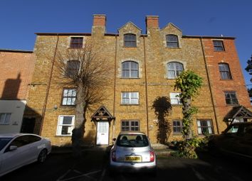 Thumbnail 2 bed flat to rent in The Bullring, Deddington