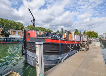 Thumbnail 3 bed houseboat for sale in Ecclesjohn, South Dock