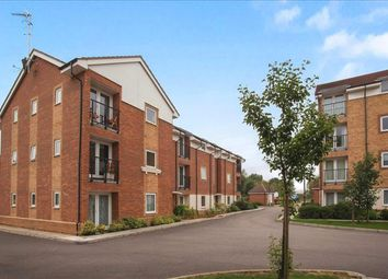 Thumbnail 2 bedroom flat to rent in Chequers Field, Welwyn Garden City