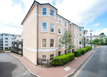 Thumbnail 2 bedroom flat to rent in York Road, Tunbridge Wells