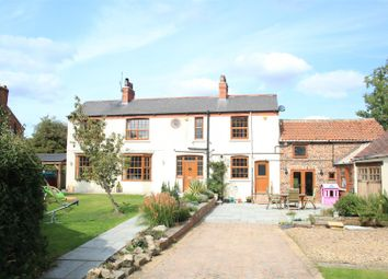 Thumbnail 5 bed cottage for sale in Pinfold Lane, Fishlake, Doncaster