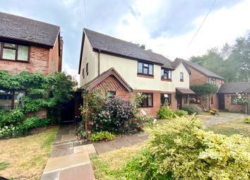 Barley Mow Close, Winchfield, Hook RG27. 3 bed semi-detached house