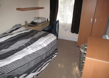Thumbnail 6 bed terraced house to rent in Donnington Road, Reading