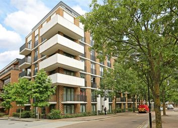 Thumbnail 2 bed flat to rent in Fairmont House, London