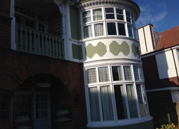 Thumbnail 2 bedroom flat to rent in Cliff Avenue, Cromer
