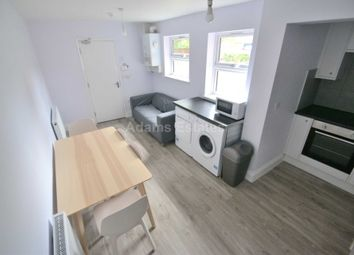 Thumbnail 4 bed flat to rent in Redlands Road, Reading