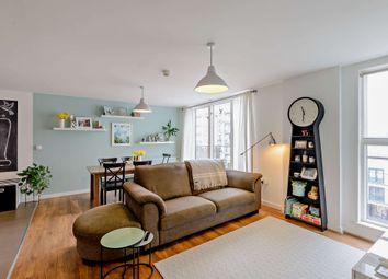 Violet Road, London E3. 2 bed flat for sale