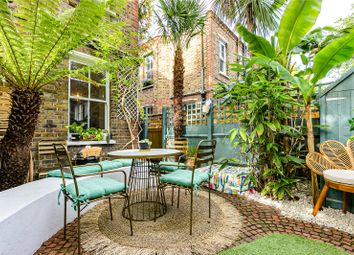 2 bed maisonette for sale in North Avenue, Kew, Surrey TW9