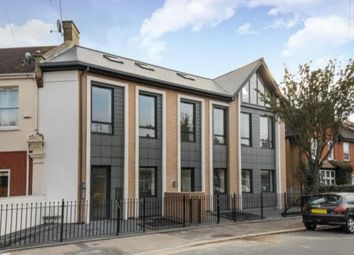 Thumbnail 2 bed flat to rent in North Chingford, London