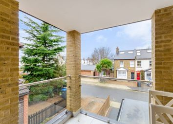 2 bed maisonette to rent in Sycamore Grove, New Malden KT3
