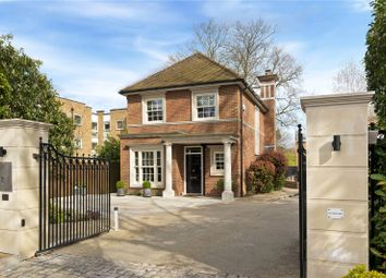 Warrenhurst Gardens, Weybridge, Surrey KT13, south east england property
