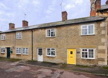 Thumbnail 2 bed cottage to rent in Sherborne Street, Lechlade