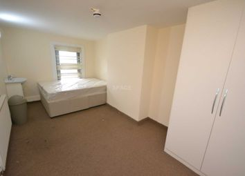 Thumbnail Room to rent in West Street, Reading, Berkshire, - Room 2