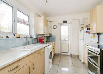 Thumbnail 2 bed flat to rent in Ellesmere Road, Chiswick