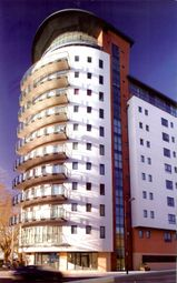Thumbnail 2 bed flat for sale in Orchard Place, City Centre, Southampton