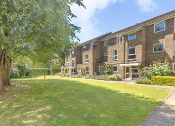 Thumbnail 2 bed flat for sale in Arragon Road, Twickenham