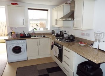 Thumbnail 1 bed flat to rent in Clifton Road, Llandudno