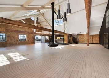 Thumbnail 2 bed flat to rent in Wapping Wall, London