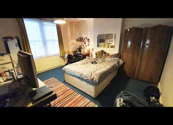2 bed flat to rent in Lenton Boulevard, Nottingham NG7