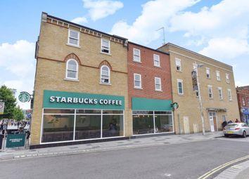 Slough, Berkshire SL1. 2 bed flat for sale