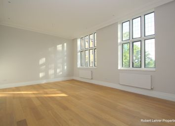 2 bed flat to rent in Courtyard House, The Ridgeway, Mill Hill NW7