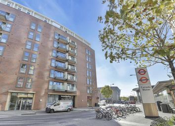 Thumbnail 2 bedroom flat for sale in Surrey Quays Road, London
